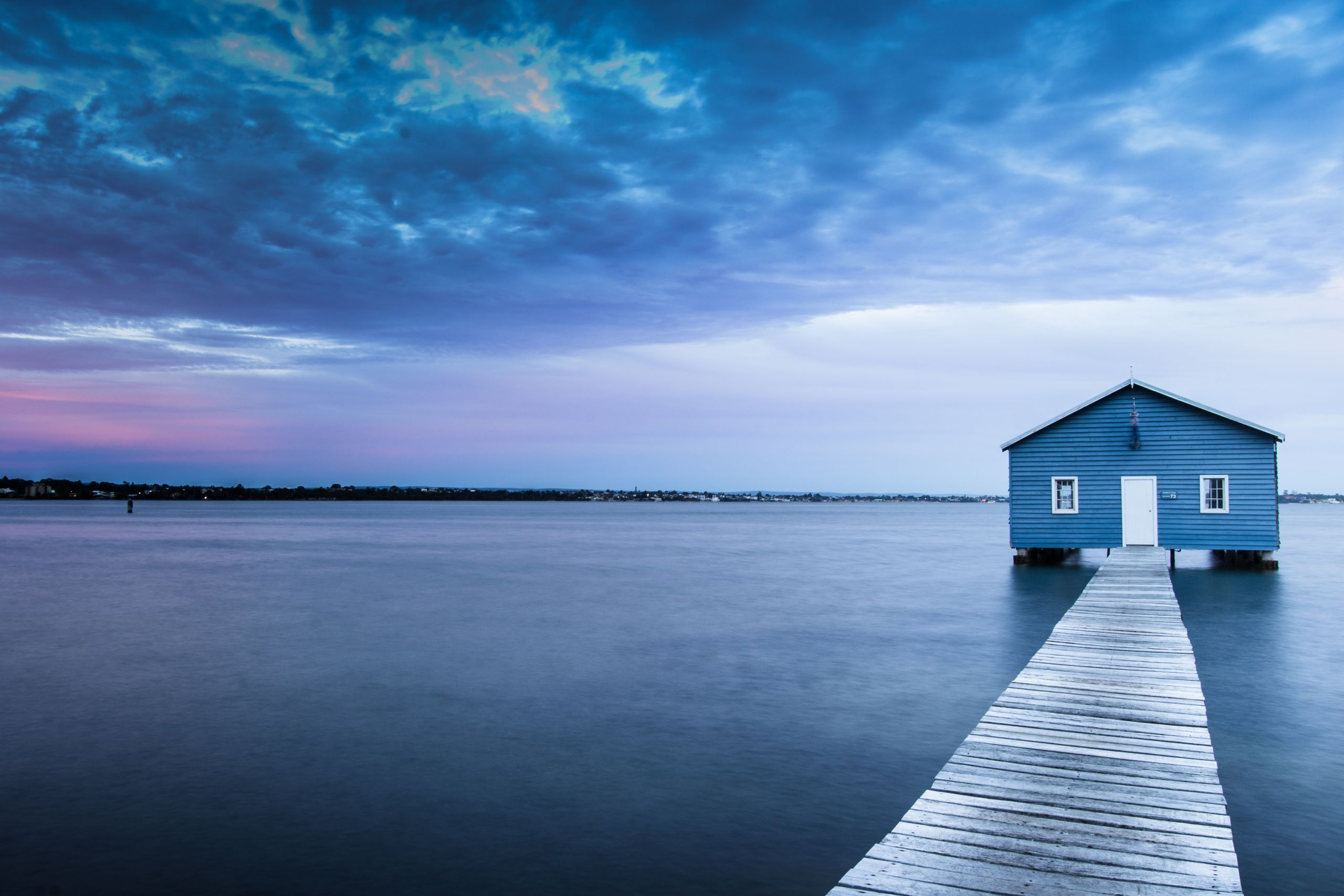 Blue Boat House Perth Image